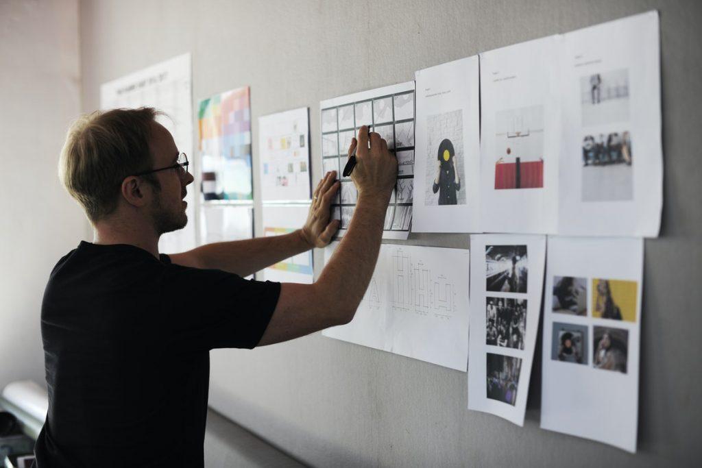 Habilidades de pensamento criativo: definição, exemplos e como impulsionar